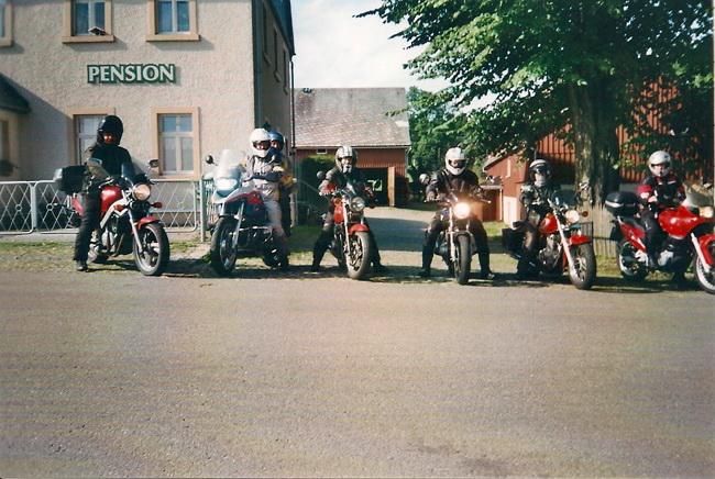 Grillabend mit Lagerfeuer f�r Motorradfahrer, gef�hrte Tagestouren im Erzgebirge und zum B�hmischen Kamm, Besuch der Bikerh�hlen in Pekelne Doly